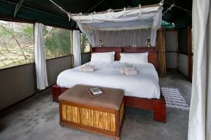 Busanga Bush Camp, Room