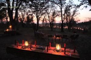 Selinda Canoe Safari, Adventurous Evening